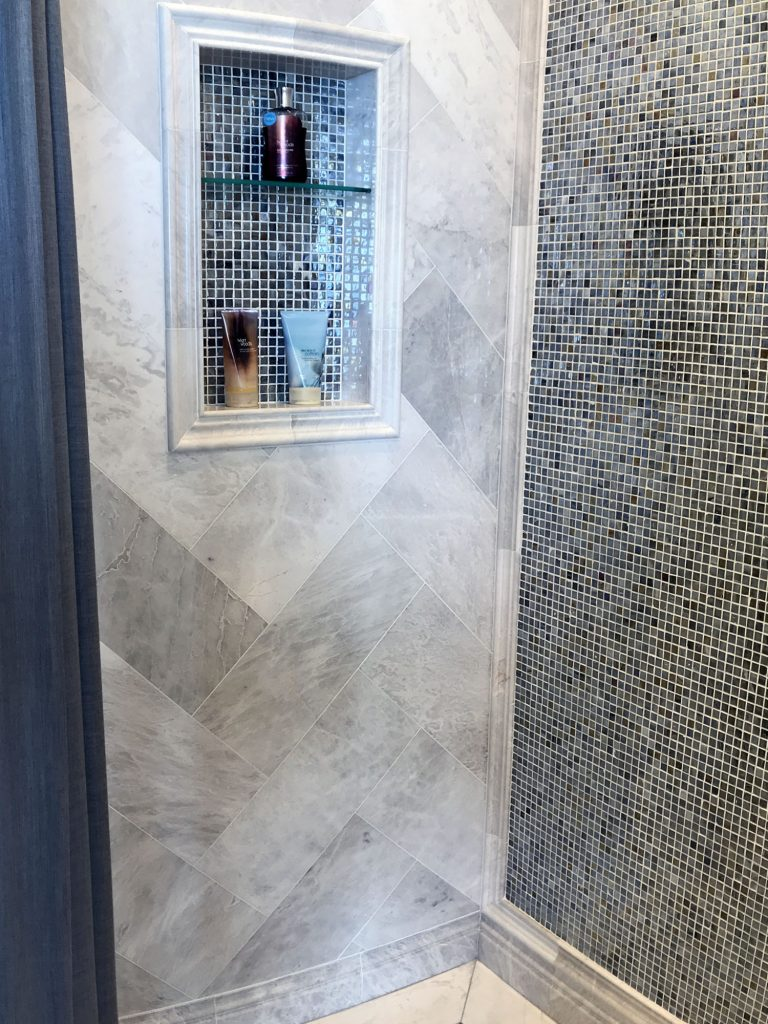 Glass mosiac tile inset