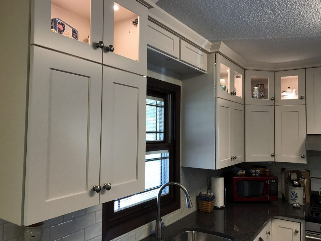 White Shaker cabinets, display uppers